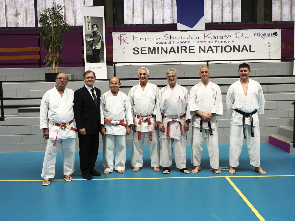 Les Experts de France Shotokai Karate Do avec le pr�sident de la F�d�ration Francaise de karat�